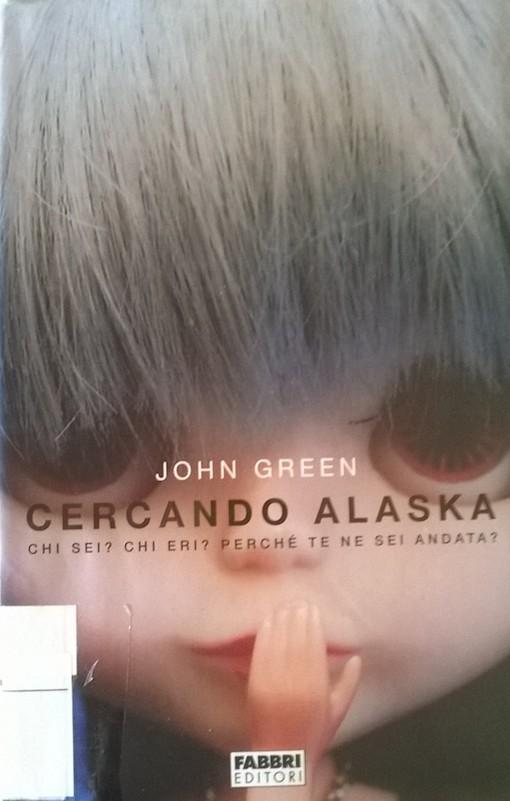 Copertina del libro con l'immagine di un viso di bambola