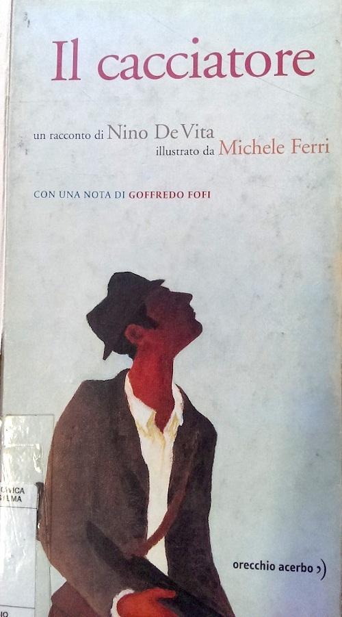 Copertina del libro con l'immagine di un uomo in giacca e cappello che guarda verso l'alto