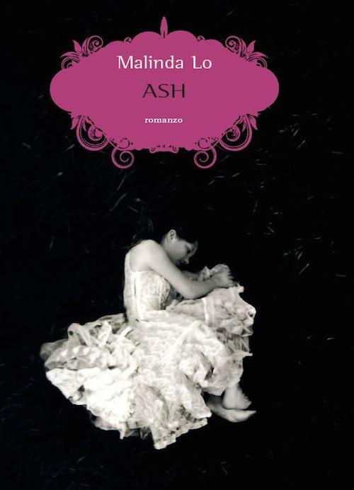 Copertina che riporta l'immagine di una ragazza vestita di bianco rannicchiata su uno sfondo nero