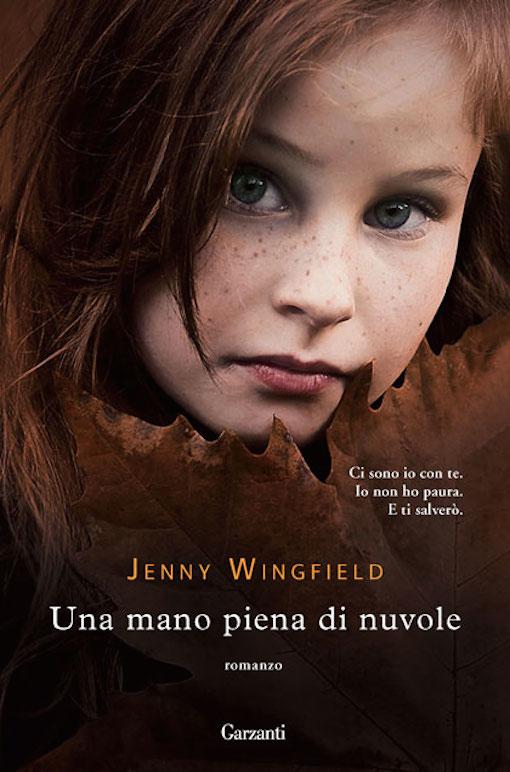 Copertina del libro con l'immagine di una bambina che guarda dritta verso l'obiettivo