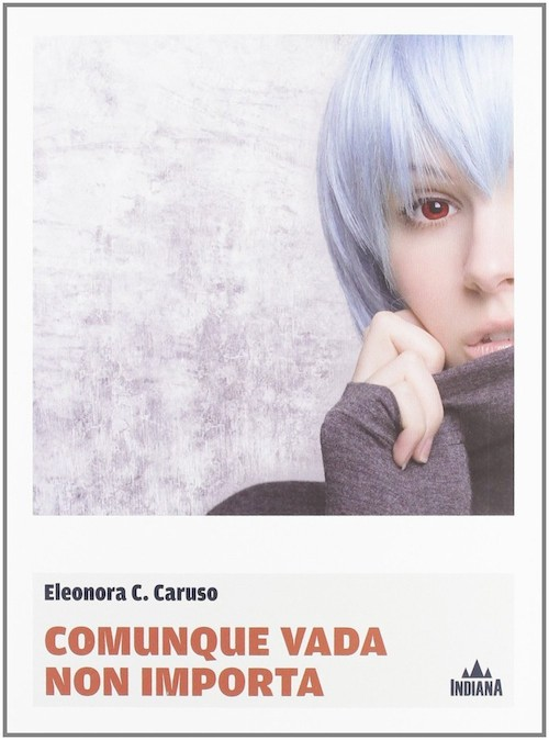 copertina del libro con una ragazza in primo piano con i capelli viola
