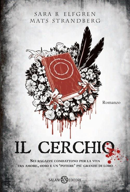 copertina deli libro con illustrato un libro rosso sopra una ghirlanda di fiori bianchi e neri