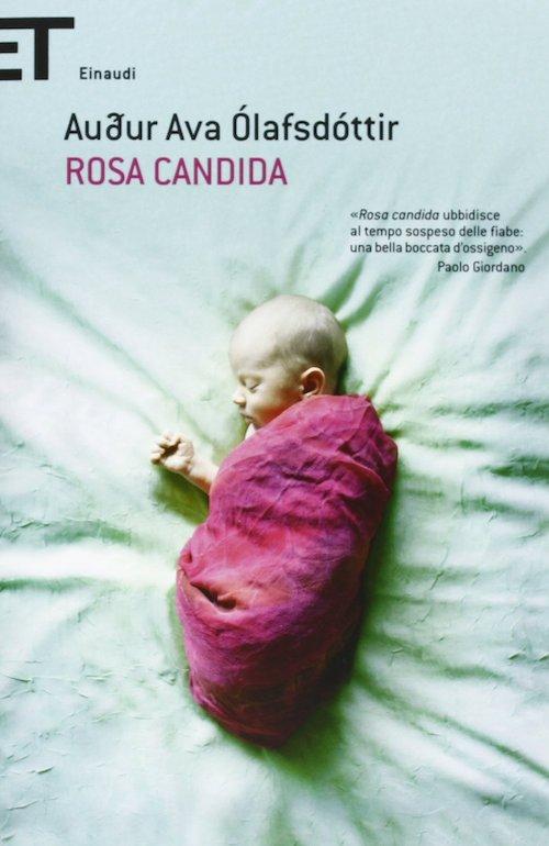 copertina del libro con un bambino che dorme