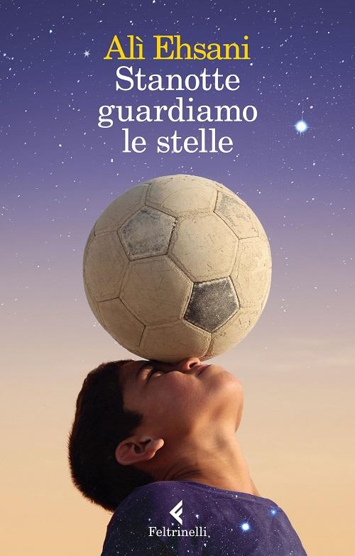 Copertina del libro con l'immagine di un ragazzo che tiene in equilibrio un pallone da calcio sulla testa